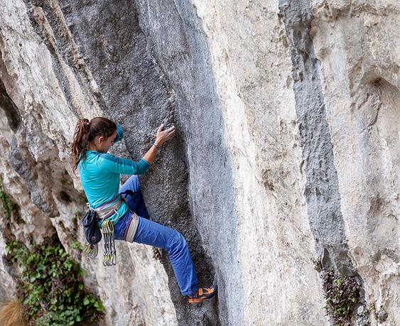 Marta Palou escalant a Rumenes.