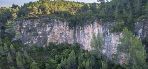 Croquis de escalada en Gelida.