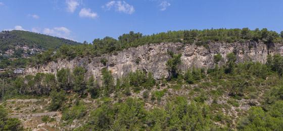Croquis de escalada en Les Casetes.