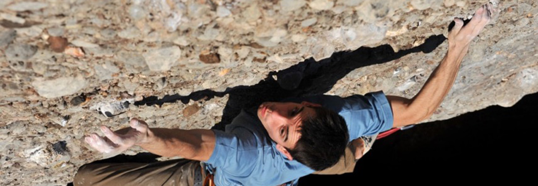 Gerard Rull escalant a Montserrat.