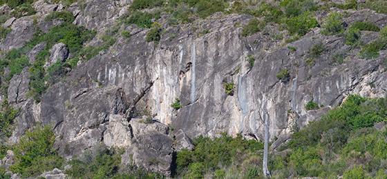Escalada en Roca Negra, con Climb Around.