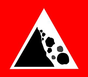 Es recomendable llevar casco por la caída de piedras.