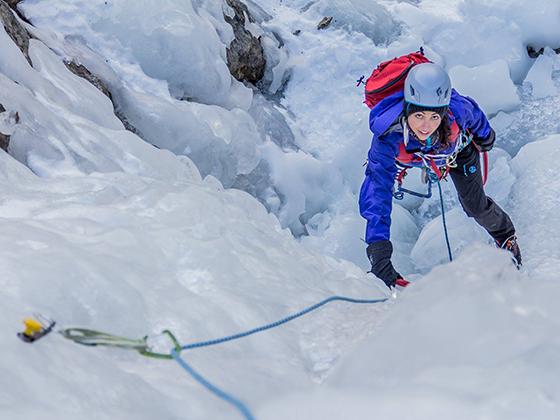 Imagen de escalada en hielo, alpinismo, por Gerard Artal.