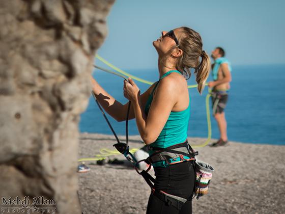 El asegurador de escalada siempre debe estar atento en todo momento.